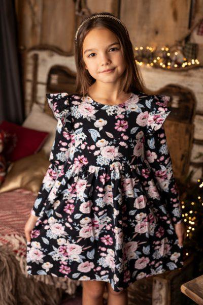 Jakie kwestie muszą uwzględnić rodzice przy zakupie ubrań dla dziewczynek?